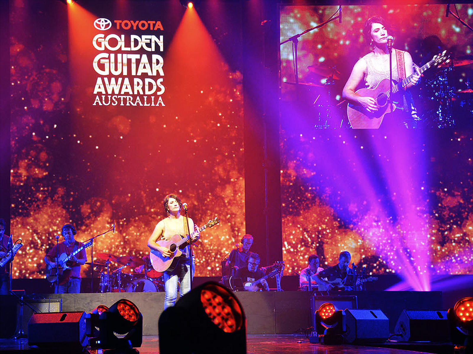 led vision golden guitar awards 2017