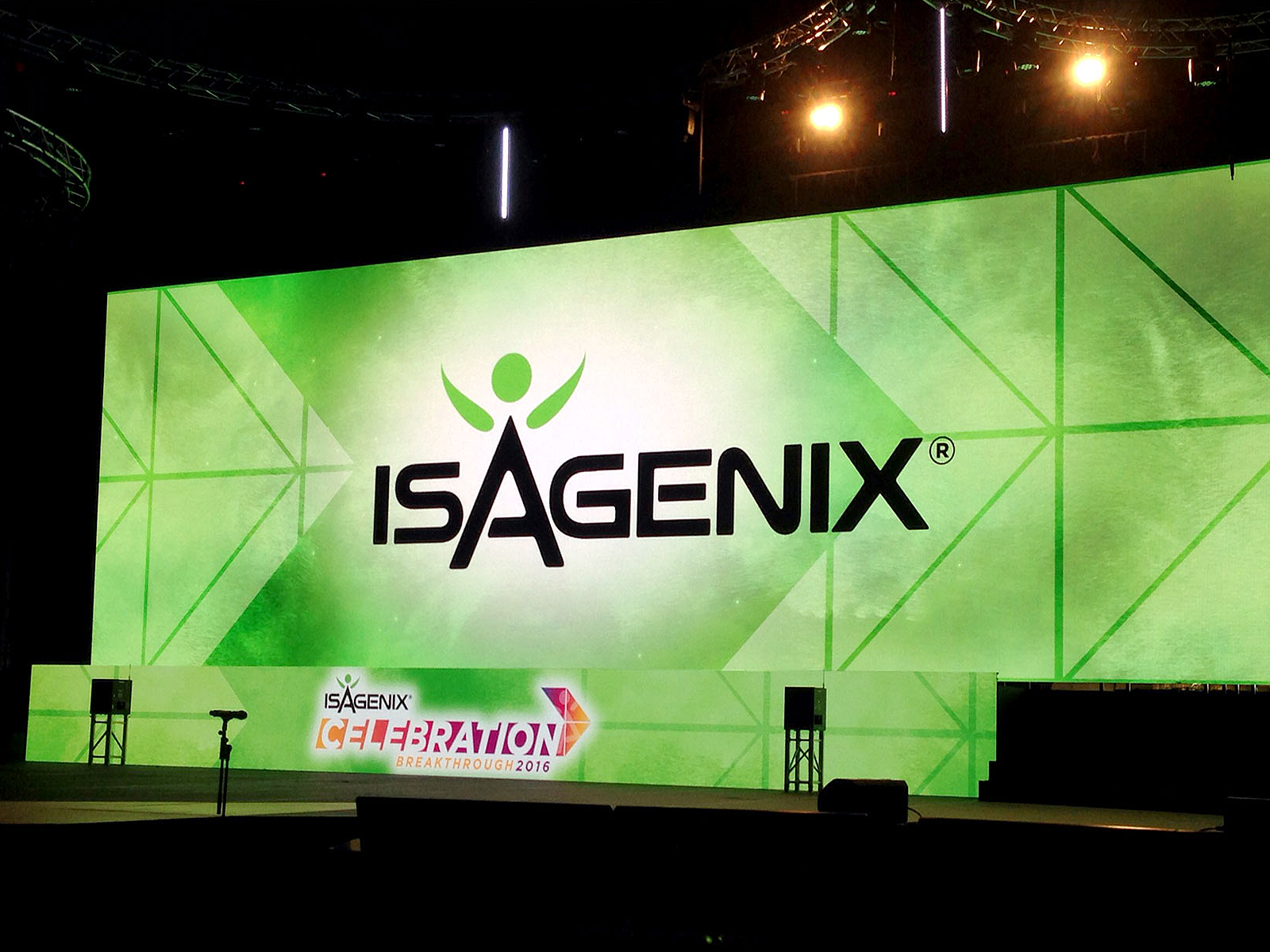 led vision isagenix breakthrough 2016